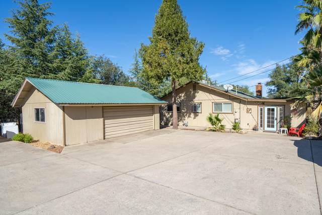 20470 Hurst Ln, Redding, CA 96002 (#21-4909) :: Vista Real Estate