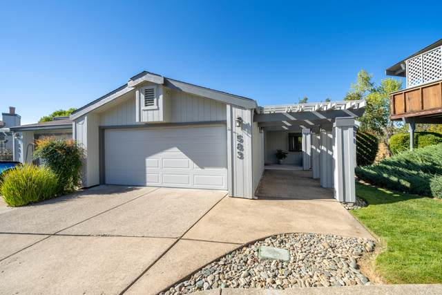 583 Suncreek Trl, Redding, CA 96003 (#21-4919) :: Vista Real Estate