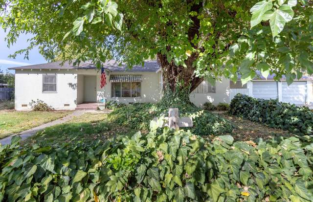 3140 Sunny Ln, Redding, CA 96001 (#21-4960) :: Wise House Realty