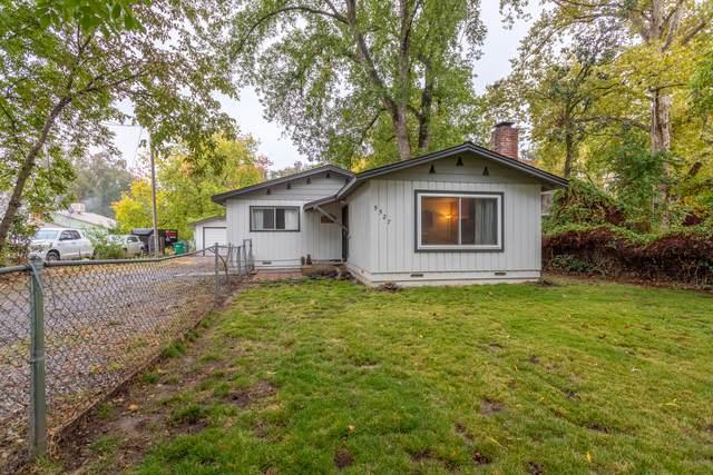 5527 Riverland Dr, Anderson, CA 96007 (#21-4995) :: Waterman Real Estate