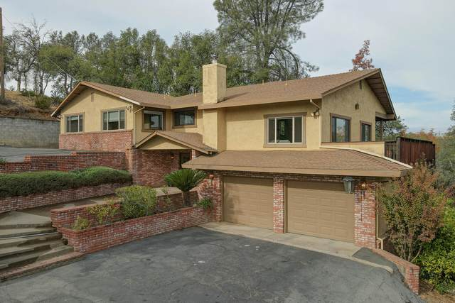 8594 Valley View Rd, Redding, CA 96001 (#21-4996) :: Wise House Realty