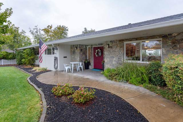 925 Sierra Vista Dr, Redding, CA 96001 (#21-5027) :: Coldwell Banker C&C Properties