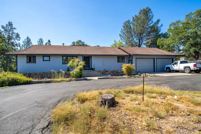 10560 Old Oregon Trl, Redding, CA 96003 (#21-882) :: Real Living Real Estate Professionals, Inc.