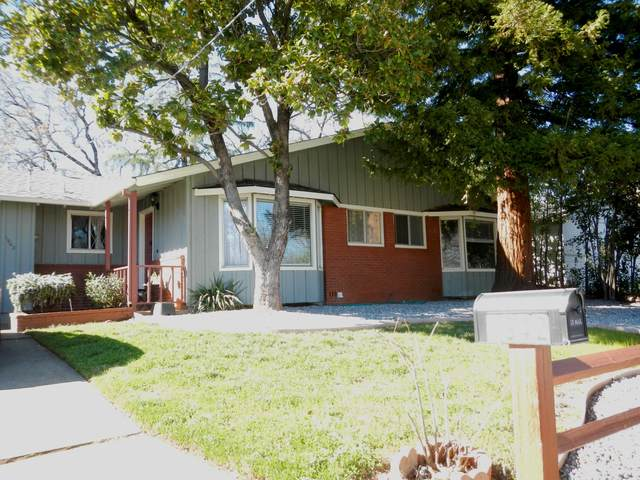 1942 Lindeena Ln, Redding, CA 96002 (#21-893) :: Real Living Real Estate Professionals, Inc.