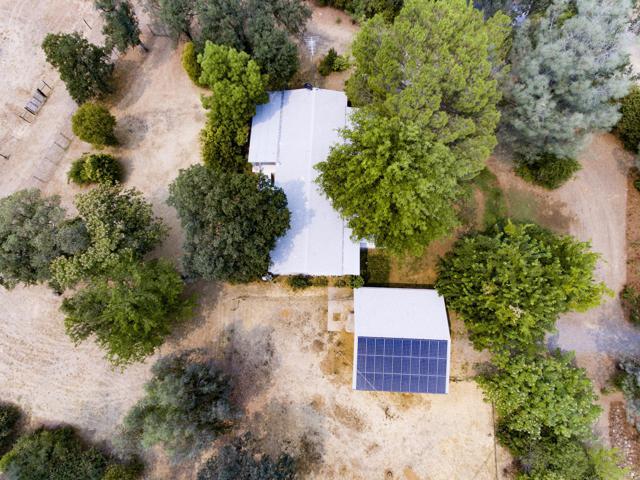 20583 Winchester Trl, Redding, CA 96003 (#18-4564) :: Josh Barker Real Estate Advisors