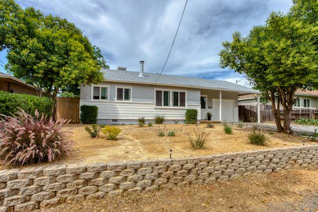 1111 Layton Rd, Redding, CA 96002 (#20-2604) :: Wise House Realty