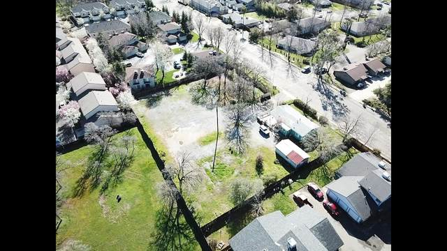 1560 Dana Dr, Redding, CA 96003 (#21-1333) :: Vista Real Estate