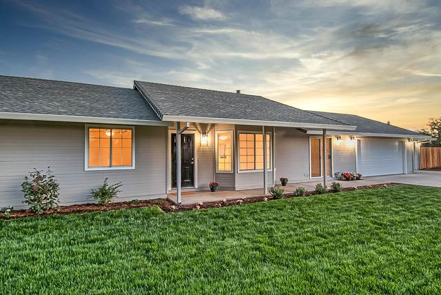 20121 Barn Owl Dr, Redding, CA 96002 (#21-1683) :: Vista Real Estate