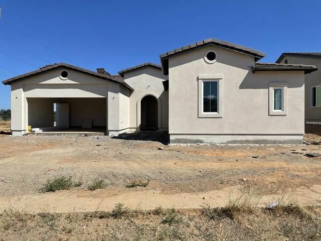 4635 Pleasant Hills Dr, Anderson, CA 96007 (#21-2167) :: Vista Real Estate