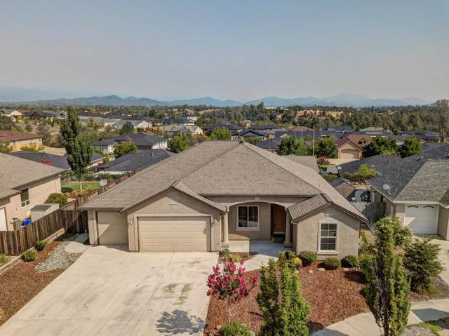 748 Rogue River Way, Redding, CA 96003 (#21-2925) :: Vista Real Estate