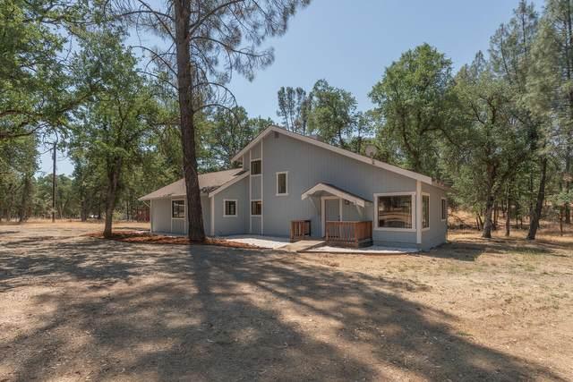 2210 Blue Oak Dr, Redding, CA 96001 (#21-3154) :: Real Living Real Estate Professionals, Inc.