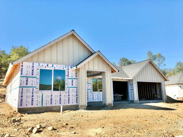 930 Bellagio Ter, Redding, CA 96003 (#21-4900) :: Wise House Realty