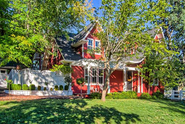 15726 Mountain Shadows Dr, Redding, CA 96001 (#19-5095) :: Wise House Realty