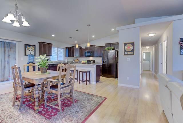 3215 Bridgewater Ct, Redding, CA 96003 (#19-5661) :: Wise House Realty