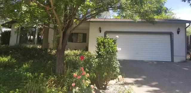 1390 Nighthawk Ln, Redding, CA 96003 (#20-3107) :: Wise House Realty