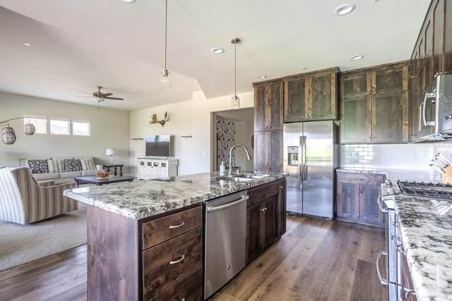 4690 Pleasant Hills Dr, Anderson, CA 96007 (#21-3953) :: Real Living Real Estate Professionals, Inc.