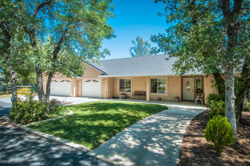 6625 Horsemans Way, Anderson, CA 96007 (#13-1924) :: Cory Meyer Home Selling Team