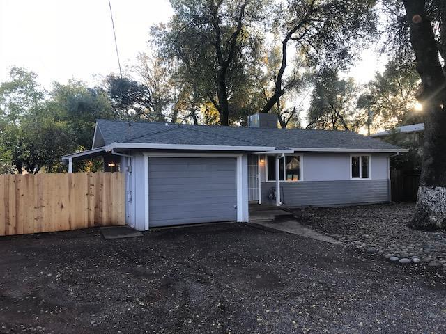 1126 Layton Rd, Redding, CA 96002 (#18-6608) :: 530 Realty Group