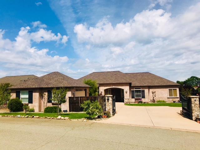 1513 Brinn Dr, Redding, CA 96001 (#19-3266) :: The Doug Juenke Home Selling Team