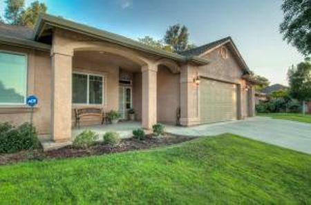 1613 Galaxy Way, Redding, CA 96002 (#19-3315) :: Wise House Realty
