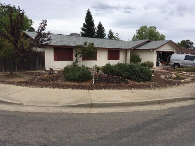 3390 Cutlas Ct, Redding, CA 96001 (#19-4358) :: Wise House Realty