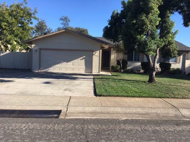 3521 Auburn Dr, Redding, CA 96001 (#19-4940) :: The Doug Juenke Home Selling Team