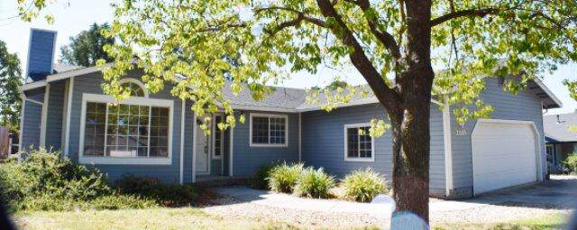 22183 Roe Way, Cottonwood, CA 96022 (#19-5076) :: The Doug Juenke Home Selling Team