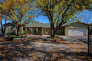 21220 El Toro Ln, Redding, CA 96003 (#19-5890) :: Josh Barker Real Estate Advisors