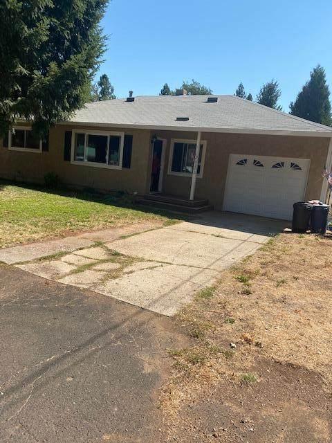 20303 Marquette St, Burney, CA 96013 (#20-3955) :: Vista Real Estate