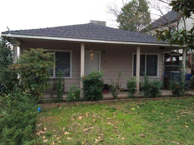 1155 Magnolia Ave, Redding, CA 96001 (#21-1624) :: Waterman Real Estate