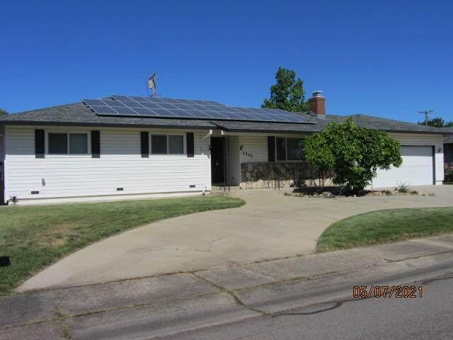 3240 Panorama Dr, Redding, CA 96003 (#21-2129) :: Real Living Real Estate Professionals, Inc.