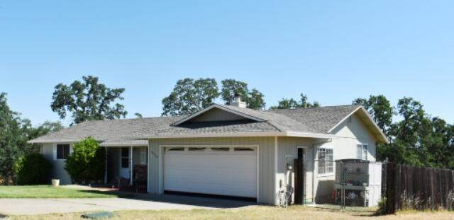 22158 Buckeye Pl, Cottonwood, CA 96022 (#21-2617) :: Real Living Real Estate Professionals, Inc.