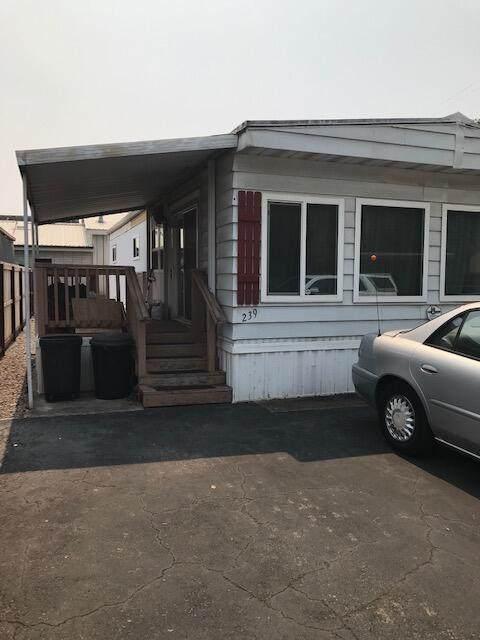 2873 Arcade Way #239, Redding, CA 96002 (#21-4030) :: Vista Real Estate