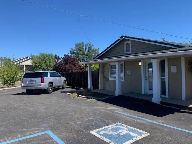 625 St Marks St, Redding, CA 96003 (#21-4936) :: Real Living Real Estate Professionals, Inc.