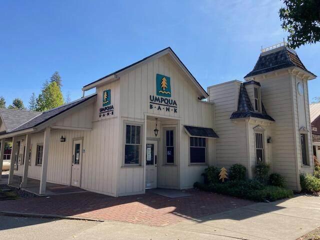 641 Main St, Weaverville, CA 96093 (#21-4992) :: Waterman Real Estate
