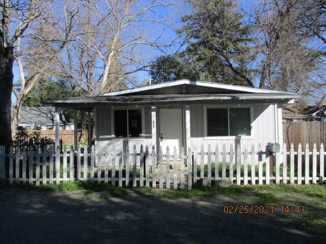 320 Lincoln St, Red Bluff, CA 96080 (#21-987) :: Real Living Real Estate Professionals, Inc.