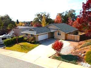 3076 Butterfly Ln, Shasta Lake, CA 96019 (#19-5866) :: Wise House Realty