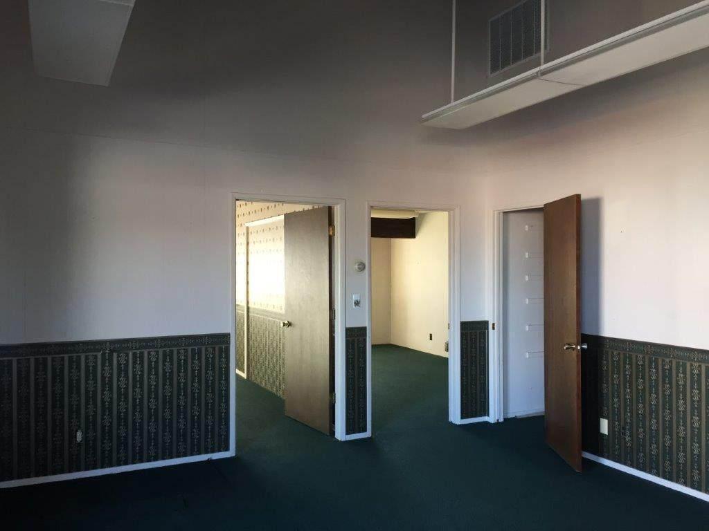 2455 Athens Ave., Suite E - Photo 1