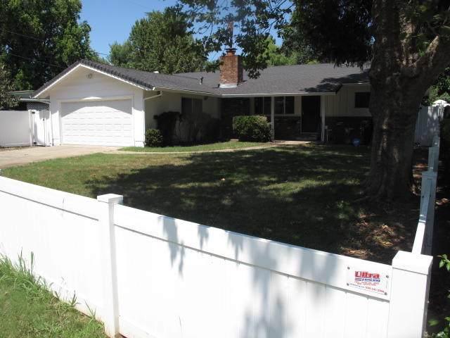 1620 Del Mar Ave, Redding, CA 96003 (#20-3630) :: Real Living Real Estate Professionals, Inc.