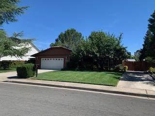2745 Amethyst Way, Redding, CA 96003 (#21-2825) :: Real Living Real Estate Professionals, Inc.
