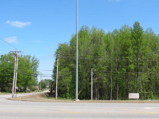 201 S Wilson Dam Rd, Muscle Shoals, AL 35661 (MLS #422205) :: MarMac Real Estate