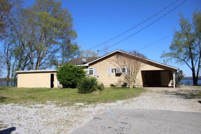 720 Lakeshore Dr N, Muscle Shoals, AL 35661 (MLS #426520) :: MarMac Real Estate