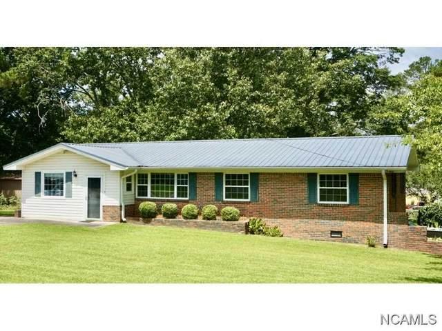 2205 Ashwood Ln Nw, Cullman, AL 35055 (MLS #428269) :: MarMac Real Estate