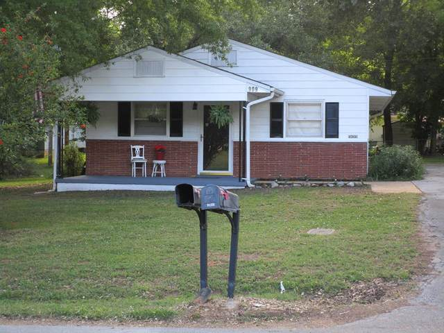 909 Milton St, Tuscumbia, AL 35674 (MLS #430476) :: MarMac Real Estate