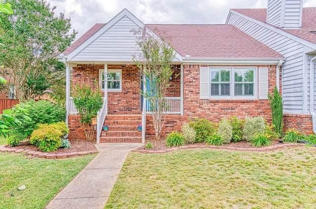 216 Meadowcrest Dr, Florence, AL 35630 (MLS #430602) :: MarMac Real Estate