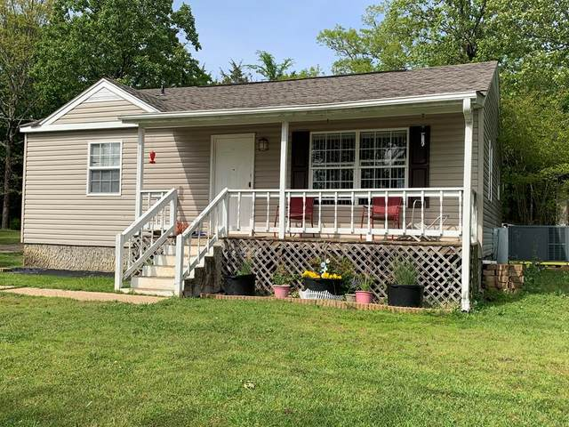 2055 Lynwood Ave, Tuscumbia, AL 35674 (MLS #430650) :: MarMac Real Estate