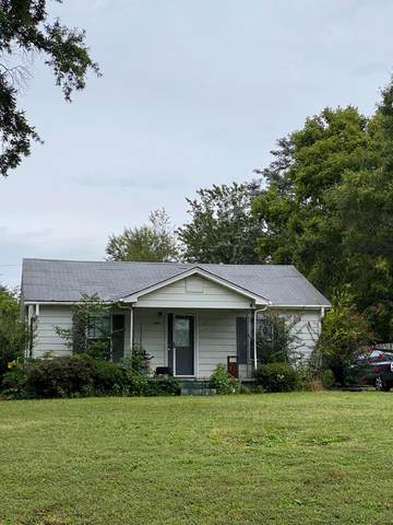 2222 Wood Ave N, Florence, AL 35630 (MLS #432140) :: MarMac Real Estate