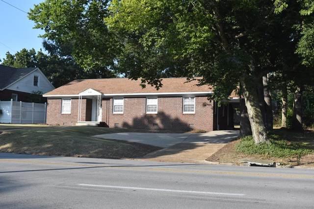 916 Pine St N, Florence, AL 35630 (MLS #432257) :: MarMac Real Estate