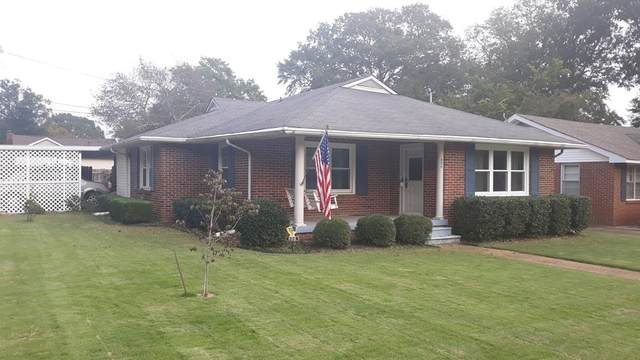 806 Dickson St N, Tuscumbia, AL 35674 (MLS #432306) :: MarMac Real Estate