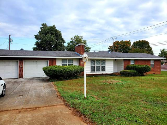 321 Richton, Muscle Shoals, AL 35661 (MLS #432415) :: MarMac Real Estate